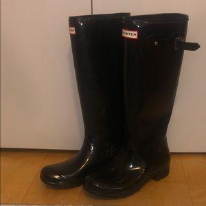 HUNTER Black Tall Rainboots
